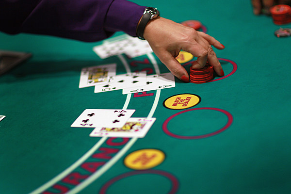 денежные игры онлайн без первоначального взноса в казино