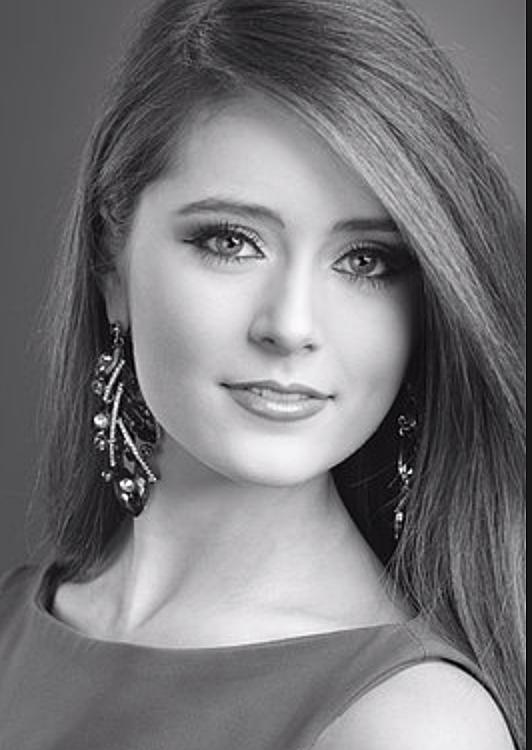 Riley Kate Lancaster/Twitter