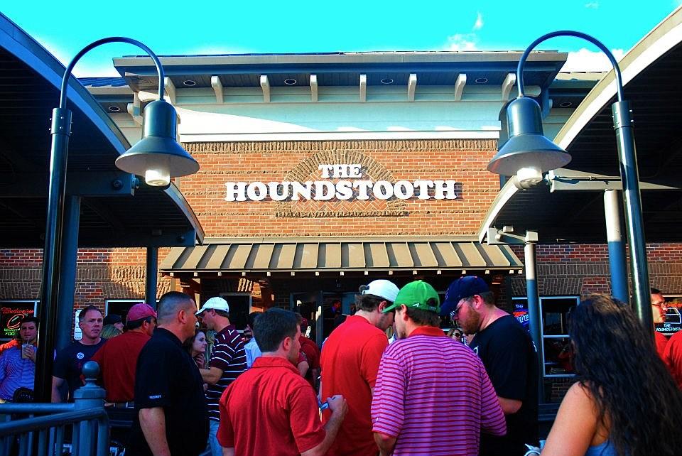 Houndstooth Sports Bar/Facebook